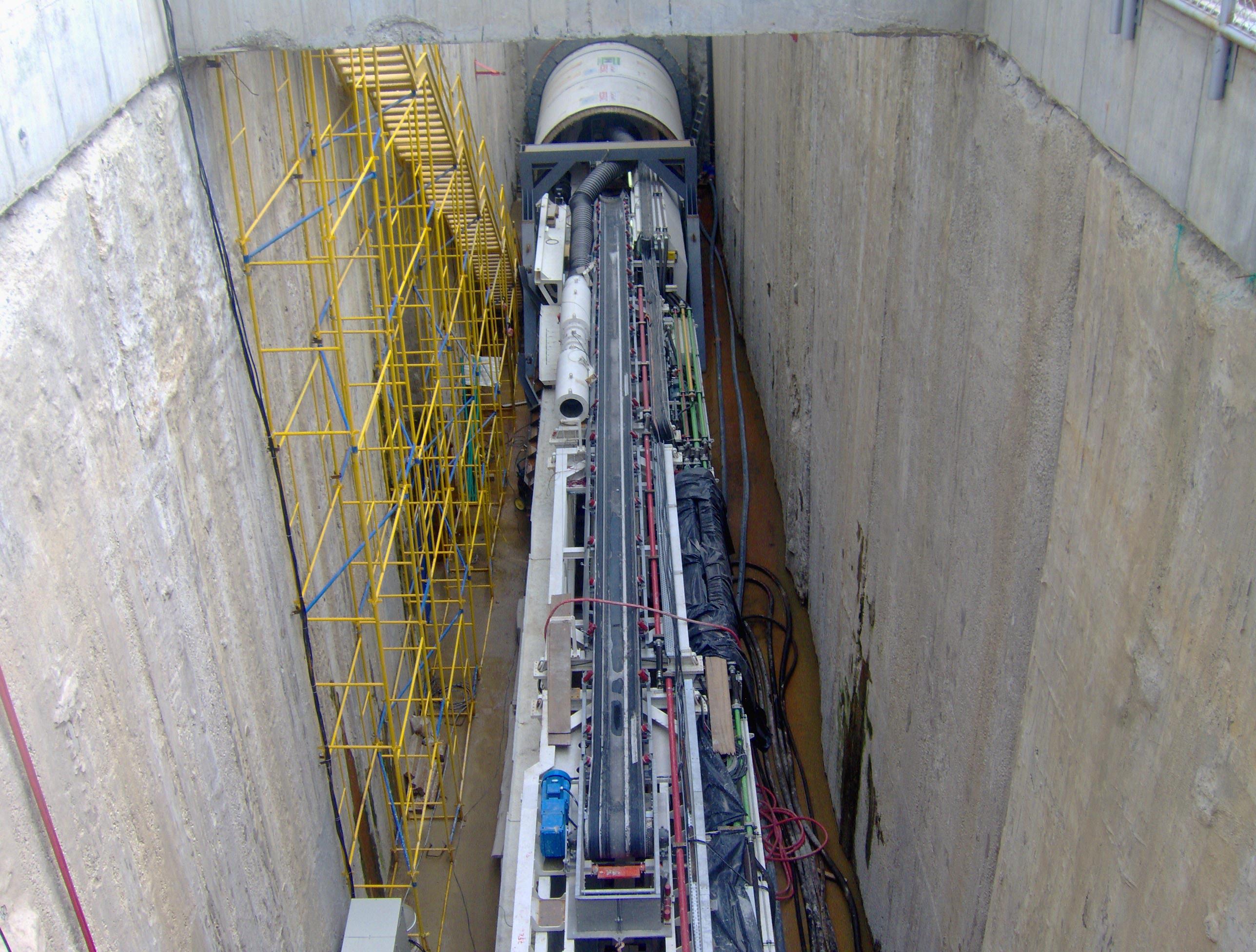 2B.-Tuneladora